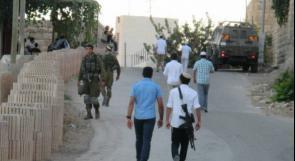 مراسلنا: مستوطنون يعتدون بشكل عنيف على مواطن قرب الساوية جنوب نابلس