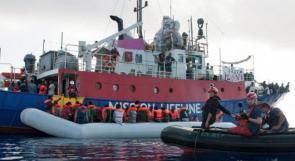 إيطاليا ومالطا ترفضان استقبال سفينة تقل 177 مهاجراً عالقة في المتوسط منذ يومين