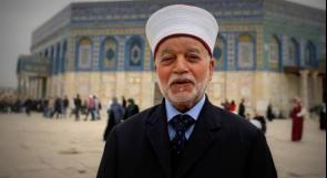 المفتي العام يدين ملاحقة المصلين داخل مصليات المسجد الأقصى المبارك