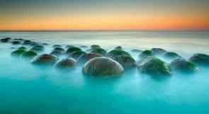 بالصور... صخور كروية لها ذيل تثير الدهشة