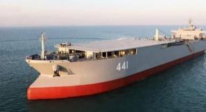 """إيران تستعرض السفينة الحربية """"مكران"""" بمناورات """"اقتدار - 99"""" في خليج عمان"""