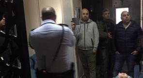 الاحتلال يقتحم منزل محافظ القدس عدنان غيث ويأخذ قياساته
