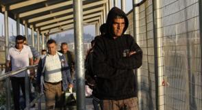 الاحتلال يدرس ادخال 5 الاف عامل من غزة ..  الشاباك يعارض والجيش يدعم