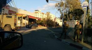 """الاحتلال يقتحم مقر """"وفا"""" ويستهدف الموظفين بقنابل الغاز"""