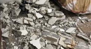 """نجاة عائلة من الموت بعد انهيار سقف منزلها في """"عين الحلوة"""""""