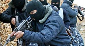كشف ملابسات سرقة في نابلس وضبط مخدرات بالخليل