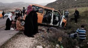 بالصور ... اصابتان خطيرتان في حادث سير على طريق جنين نابلس