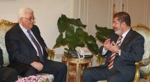 عباس يقبل دعوة مرسي للمشاركة في القمة الإسلامية
