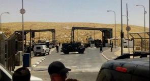 """الاحتلال يعتقل شاباً مريضاً على حاجز """"الكونتينر"""""""