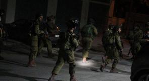 الاحتلال يعتقل سبعة مواطنين من محافظة الخليل