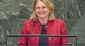 شاهد  وزيرة خارجية النمسا تستهل كلمتها أمام الجمعية العامة بالعربية