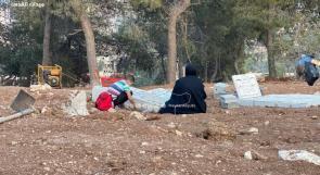 """الاحتلال يواصل لليوم الثالث تجريف مقبرة """"اليوسفية"""" بالقدس"""