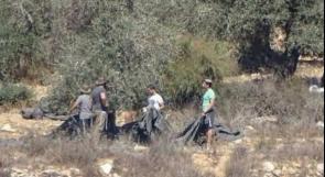 مستوطنون يسرقون معدات زراعية من أراضي جالود