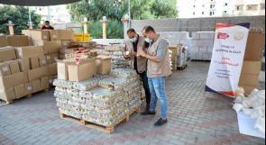 الإغاثة الزراعية توزع 200 طرد غذائي وصحي في غزة