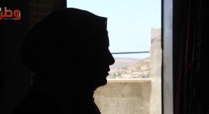"""قطع أصبعها وطردها وأطفالهما.. مُعنّفة تناشد أهالي الخير عبر """"وطن"""" لإعالتها"""