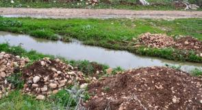 """خاص لـ""""وطن"""":بالفيديو.. طولكرم:مياه الصرف الصحي تلوث آبار عتيل ومناشدات عاجلة بإنشاء شبكة"""