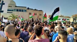 المئات من الأردنيين يطالبون بطرد سفير دولة الاحتلال من العاصمة الاردنية