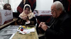 """بعد أن افتتحا متجرهما الخاص.. الزوجان حرزالله يتغلبان على """"العوز"""" بالتطريز"""