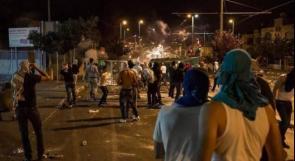 """اصابات خلال مواجهات اندلعت في نابلس عقب اقتحام المستوطنين """"قبر يوسف"""""""