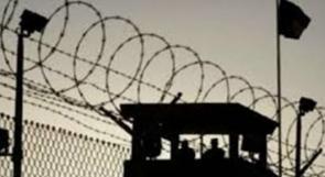 """هيئة الأسرى: إدارة معتقل """"عوفر"""" تُمعن في إهمال الأسرى طبيا وتستهتر بعلاجهم"""