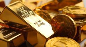 عقب بيانات اقتصادية امريكية.. الذهب يسجل أطول موجة خسائر