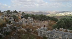 """""""دير القلعة"""" في فلسطين ولبنان.. سحر التشابه اسمًا وعمرانًا في المَشرق الواحد"""