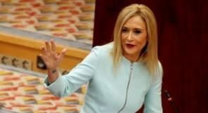 """فيديو يظهر رئيسة بلدية مدريد وهي """"تسرق"""" من سوبر ماركت فاستقالت"""