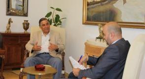 نبيل عمرو لوطن : قدمت مبادرتي للرئيس بشكلٍ شخصي، ولا قطيعة سياسية معه ولكن !