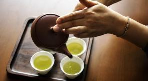 من بين فوائد أخرى.. الشاي الأخضر يحارب السمنة