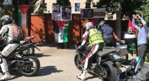 صور | موكب دراجات نارية يصل سفارة فلسطين لدى إيطاليا تضامنا مع شعبنا