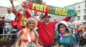 بالصور.. يورو 2012 يزداد اثارة بوجود فتيات أوروبا