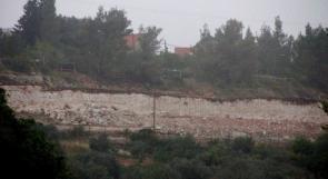 بالصور ... مستوطنون يشرعون ببناء وحدات استيطانية في مستوطنية 'حلاميش'