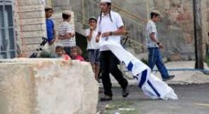 مستوطنون يهاجمون منزلا في بلدة برقة شمال غرب نابلس