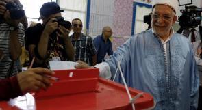 التونسيون يدلون بأصواتهم لانتخاب رئيس جديد للبلاد