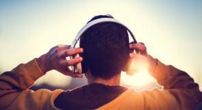 الاستماع للموسيقى الصاخبة بسماعات الرأس قاتل!!