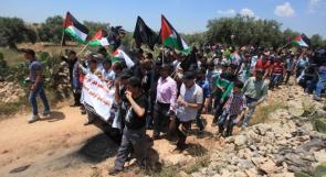 العشرات يشاركون في مسيرة نعلين الأسبوعية السلمية