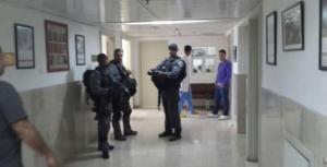 """فيديو .. تحقيق لـ""""بيتسيلم"""" يكشف تفاصيل ما جرى يوم اقتحام قوات الاحتلال للمقاصد"""