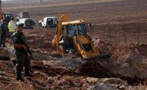 الاحتلال يجرف أراضي غرب جنين