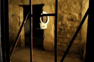 الاحتلال يمدد اعتقال زوجة الاسير المقدسي محمد عوده
