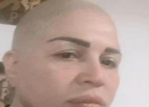 """بالفيديو.. إلهام شاهين تحلق شعرها """"على الزيرو"""""""