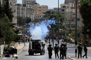 إصابات بالاختناق إثر قمع الاحتلال لمسيرة تضامنية مع الأسرى في بيت لحم