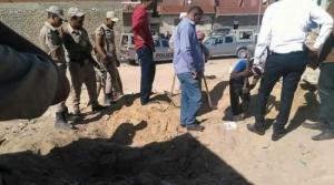 جريمة تهز مصر.. مسن يذبح زوجته ويدفن طفلتها حيه بجوارها