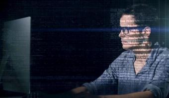 التأكد من المعلومات المنتشرة على الإنترنت عن فايروس كورونا