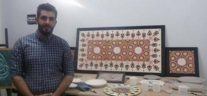 """خاص لـ""""وطن"""": بالفيديو.. نابلس: علاء يبدع في صناعة الخزف والسيراميك"""