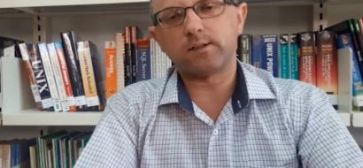 """خاص لـ""""وطن"""" بالفيديو .. نابلس : """"جمعة"""" الأول عالميًا في تدريب علم الطاقة والتنمية الذاتية"""