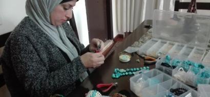 """خاص لـ""""وطن"""" بالفيديو .. الخليل: نور تبدع من الأحجار شبه الكريمة عالم من المجوهرات الراقية"""