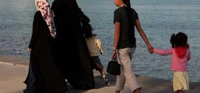 بلجيكا: إدانة 8 شيخات إماراتيات بتهمة إساءة معاملة خادمات