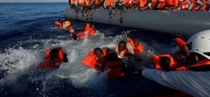 إنقاذ 2074 مهاجرا من البحر المتوسط