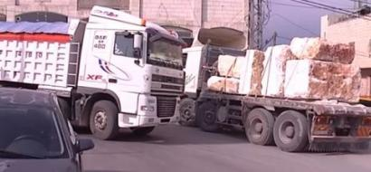 """خاص لـ""""وطن"""": بالفيديو.. """"رأس العاروض"""" في سعير.. حي يصحو وينام على أصوات الشاحنات"""