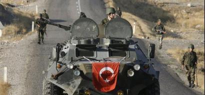 القوات التركية تصل قطر وتشرع في التدريب